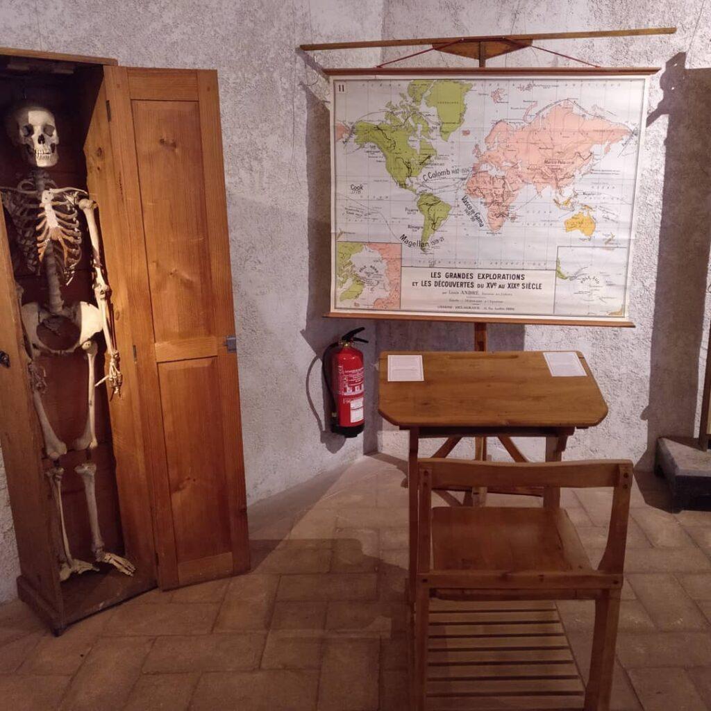 Exposición 175 Aniversario - IES Plaza de la Cruz | Protocolo 66